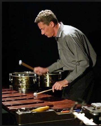 Trio pour clarinette basse, contrebasse et marimba (2001)