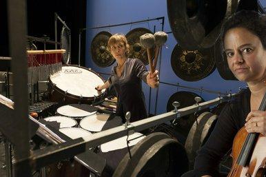 En Régina  pour violon, percussions et accordéon