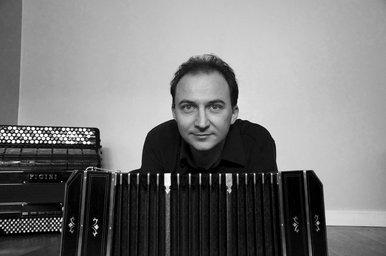 Trio n°1 avec accordéon  Christophe ROY, violoncelle, Catherine JACQUET, violon, Guillaume HODEAU, accordéon,